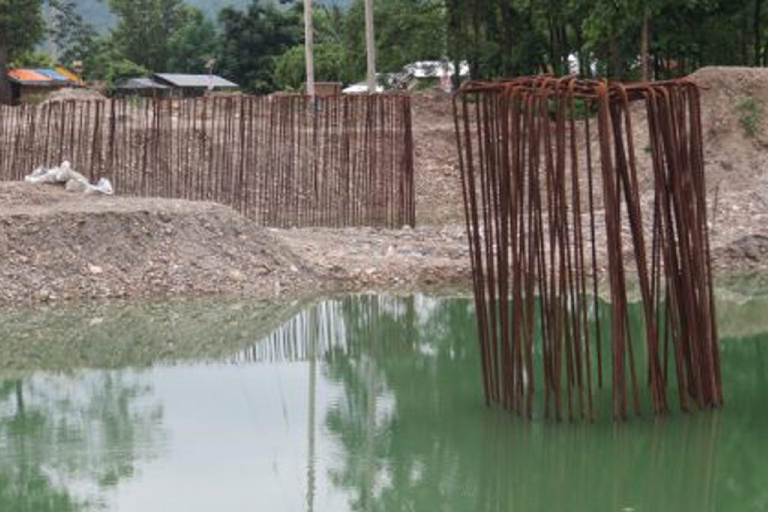 माडीमा बन्दै गरेको १० वटा पुलको निर्माणमा ढिलाइ : स्थानीयलाई सास्ती